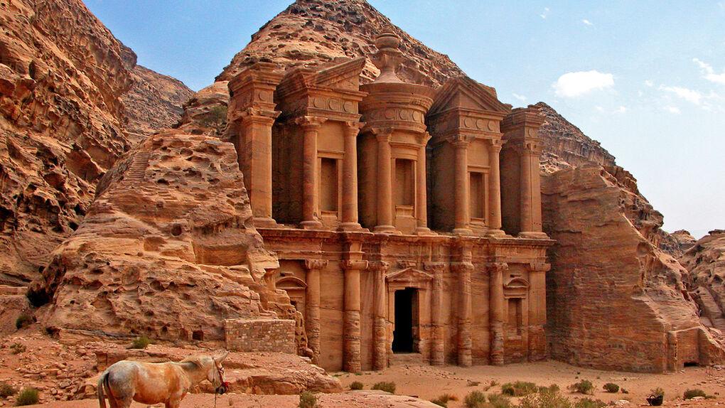viaja sin salir de casa a petra jordania