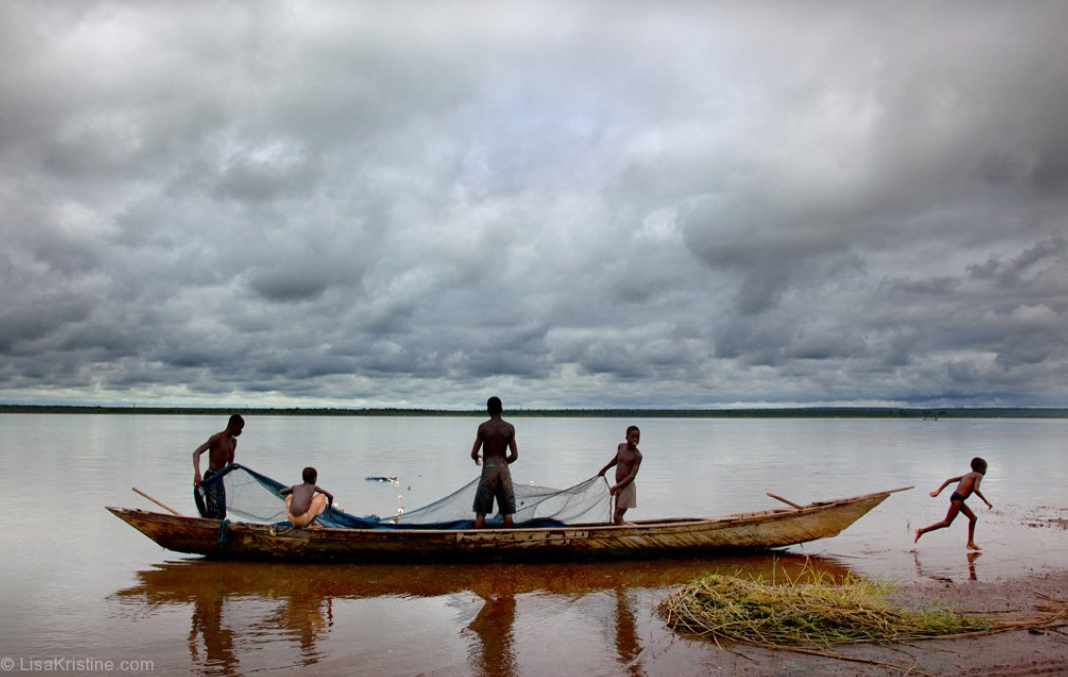 screencapture-lisakristine-portfolio-items-fishing-boats-ghana-2020-10-13-10_43_06