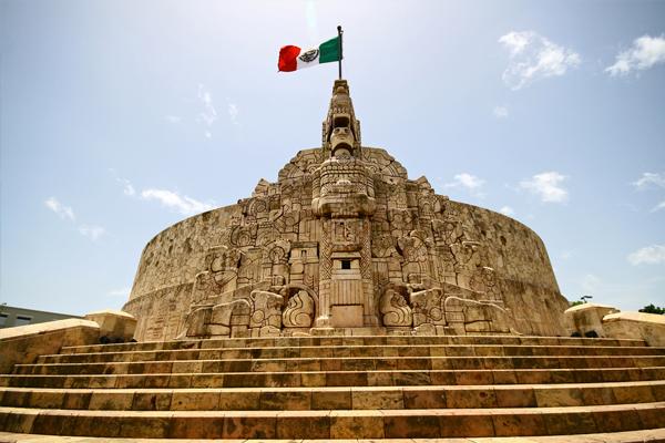 monumento-a-la-bandera-merida-yucatan