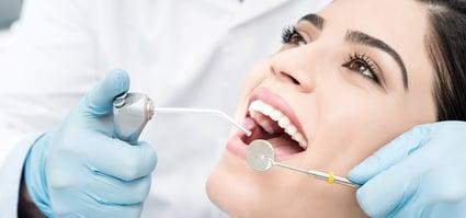 odontologia_restaurativa_banner_blanco